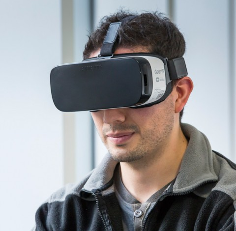 Head Mounted Display (HMD)