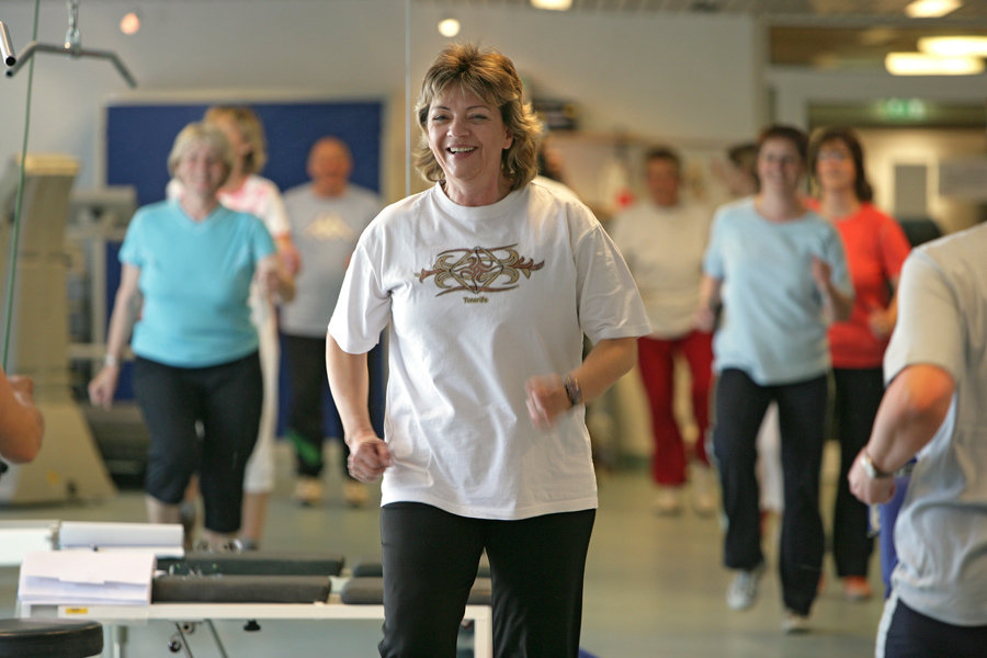 Fitnesstraining in Gruppe, Reha